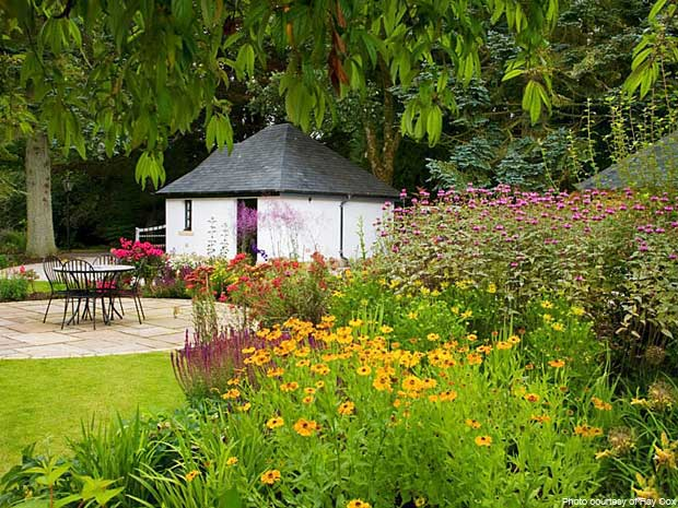 west-linton-garden-herbaceous-planting-late-summer-201-text